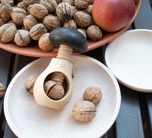 Nussknacker Pilz mit Holzschalen im 3tlg. Set aus Natur Buchenholz